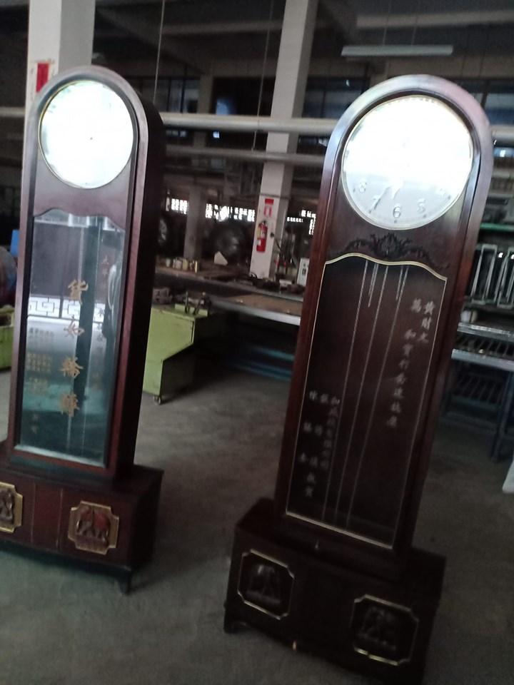 รับซื้อนาฬิกาลูกตุ้ม รับซื้อนาฬิกาตู้มุก รับซื้อนาฬิกาเก่า รับซื้อนาฬิกาเก่าเสีย นาฬิกาตั้งพื้น นาฬิกาแขวนผนัง นาฬิกาทองคำ